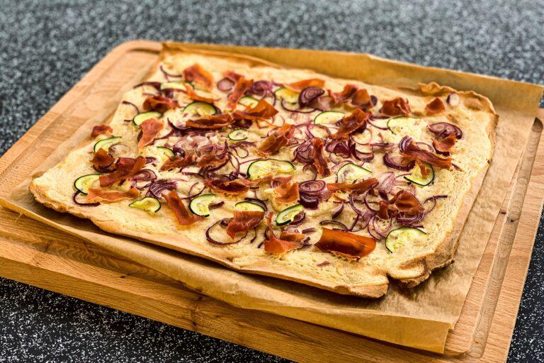 Rezept für glutenfreien Flammkuchen oder Pizza ohne Hefe